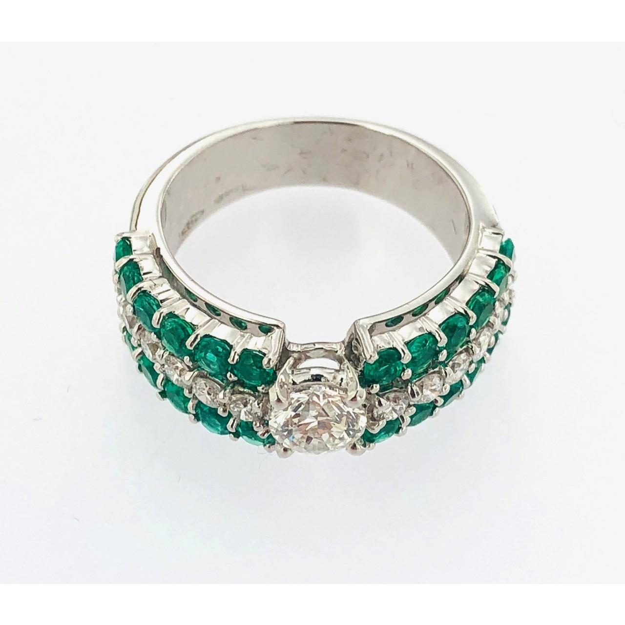 design di qualità 489ea 839ee Anello oro bianco 18 kt.con brillanti e smeraldi creazione Gianni Carità