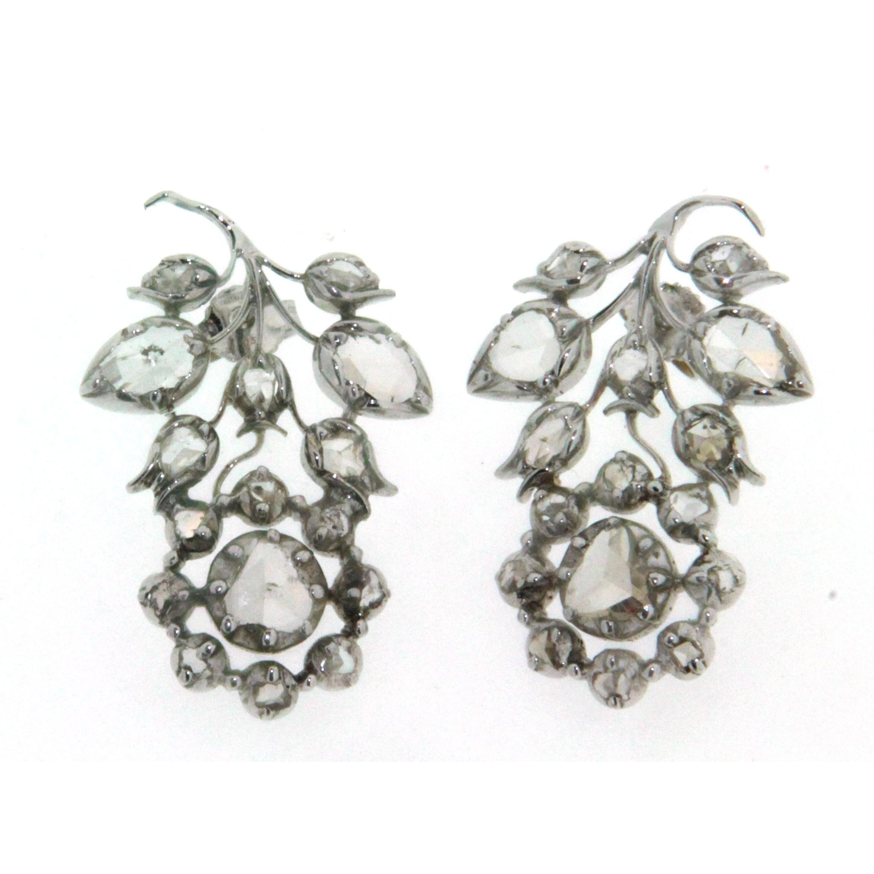 Preferenza Paio di orecchini in oro bianco 9 kt, stile antico, con diamanti OW05