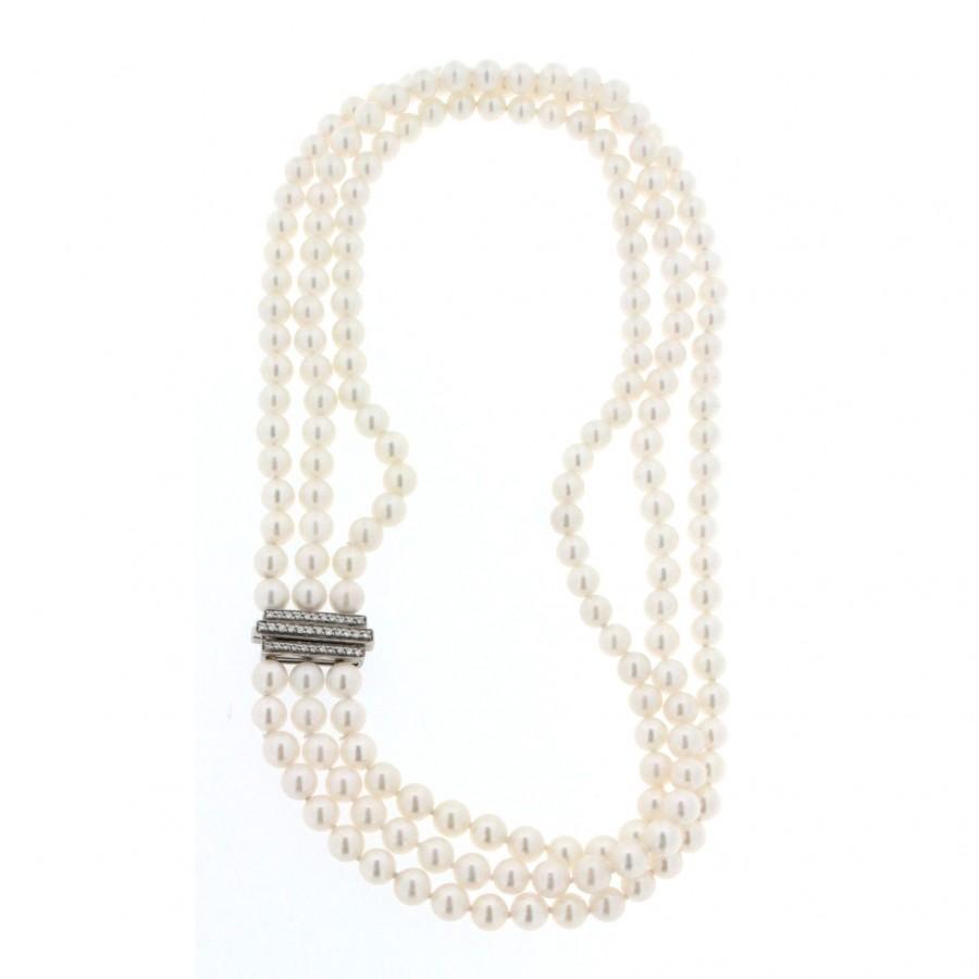 Girocollo salvini di perle giapponesi Akoya con chiusua in oro bianco e diamanti usato
