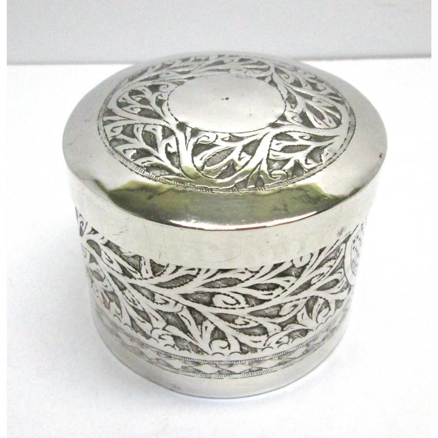 Contenitore in argento 900 di forma cilindrica con coperchio lavorato a mano usato