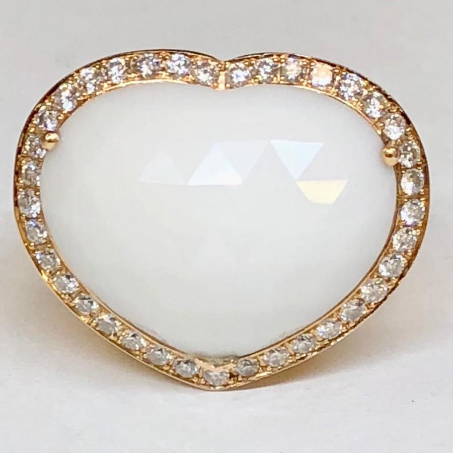 Anello in oro 18 kt. con pietra dura a cuore con brillanti