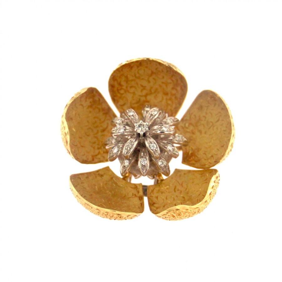 Spilla in oro giallo e bianco 18 kt  a fiore con diamanti con petali mobili