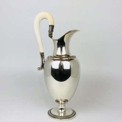 Anfora argento 800, con manico avorio stile moderno usata