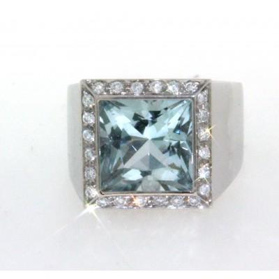 Anello in oro bianco 18 kt, di forma quadrata, con acqua marina e diamanti