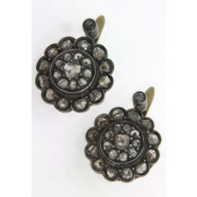 Paio di orecchini in oro giallo 18 kt e argento, in stile antico, con diamanti