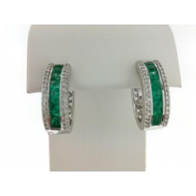Orecchini in oro bianco 18 Kt con diamanti e smeraldi 1,00 ct. Peso 8,50 gr