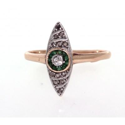 Anello in oro, in stile losanga, con smeraldi e diamanti