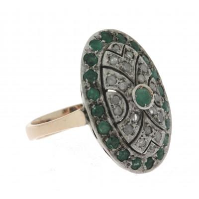 Anello in oro 12 kt e argento, in stile anni '30, monta smeraldi e diamanti