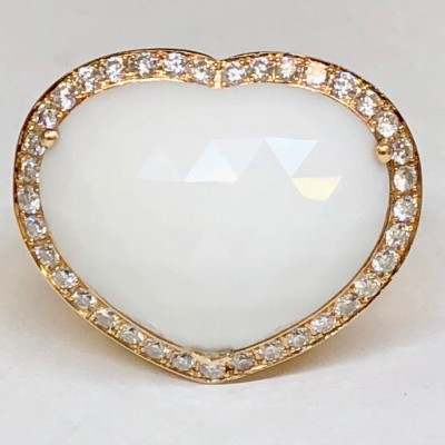 Anello in oro 18 kt. con pietra dura a cuore , usato , con brillanti. Gr.17,00 Br.0,60