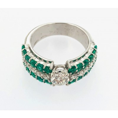 Anello oro bianco 18 kt.con brillanti e smeraldi,usato creazione Gianni Carità