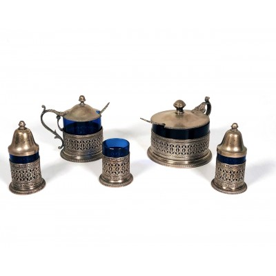 Cinque pezzi tavola  in argento 800 formaggiera sale pepe zuccheriera porta stecchini d'epoca