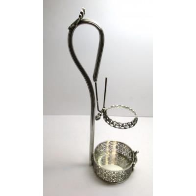 Porta bottiglia da tavola in argento 800 Peso totale gr.403,00 Misure: altezza cm.38,00 diametro base cm.9,50  Usato