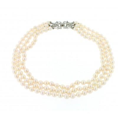 Collana di perle di mare con chiusura in oro bianco e diamanti,anni '50/'60