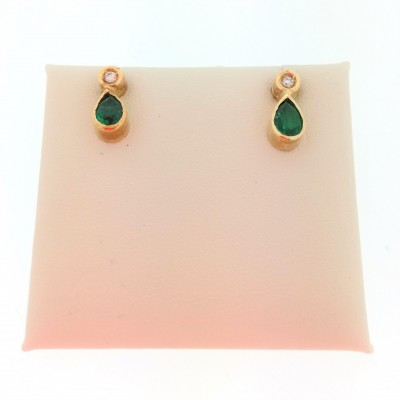 Orecchini in oro giallo 18 Kt con diamanti 0,04  e smeraldi
