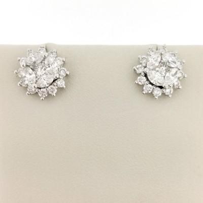 Orecchini in oro bianco 18 Kt e diamanti taglio brillante 1,50 ct totali, peso 3,40 gr