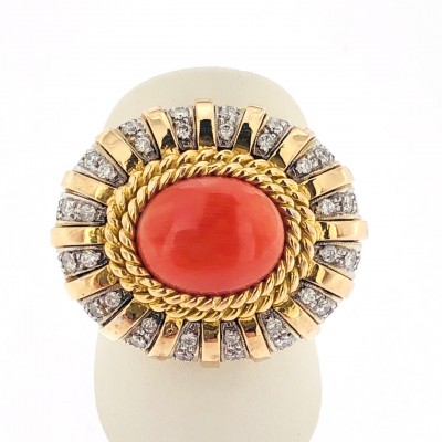 Anello in oro 18 kt con corallo e brillanti firmato De Maria usato