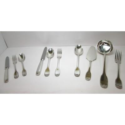 Servizio di posate Ricci in argento, d'epoca, stile francese, corredato di panno, usato.