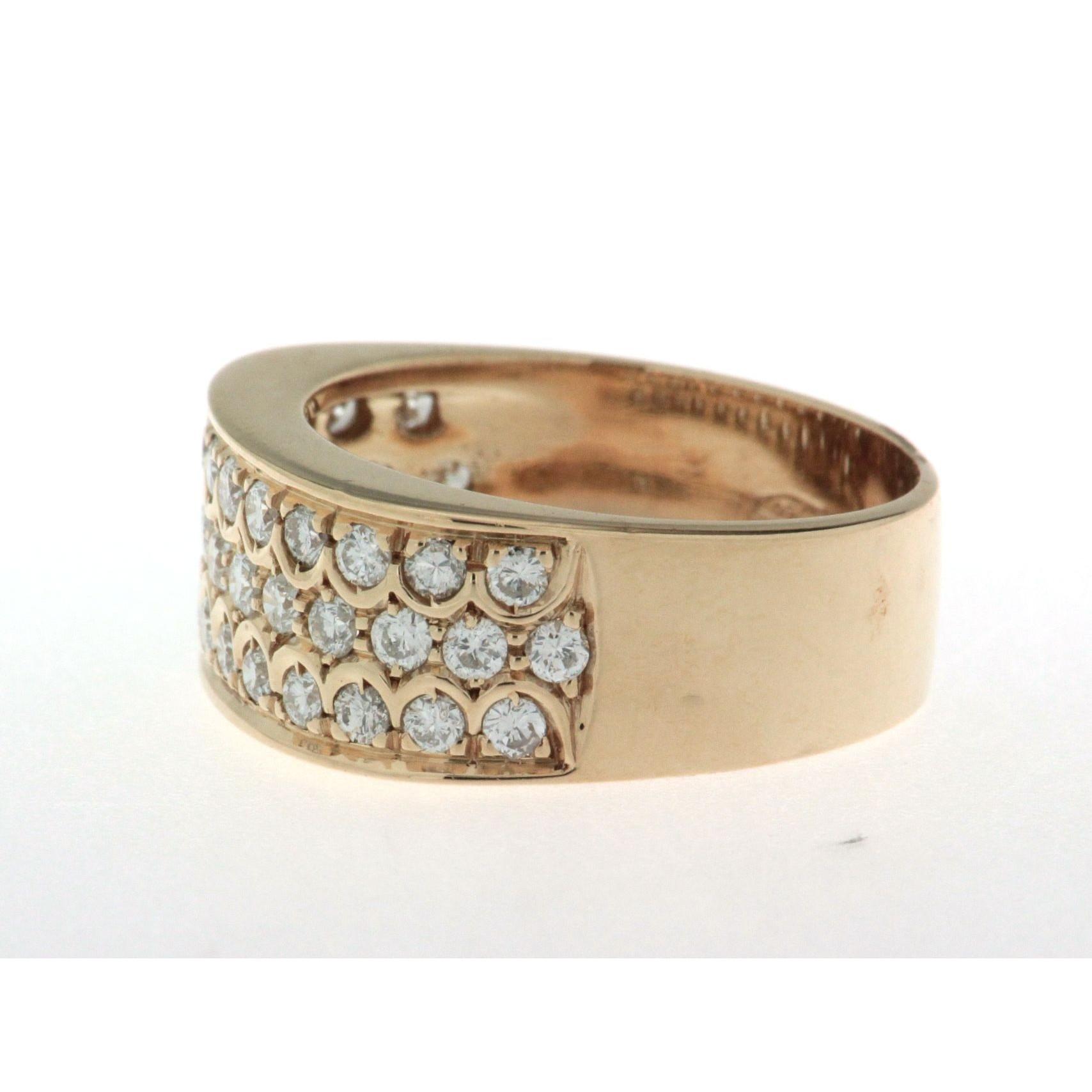 bague anneau large en or jaune 18k avec pav de diamants. Black Bedroom Furniture Sets. Home Design Ideas