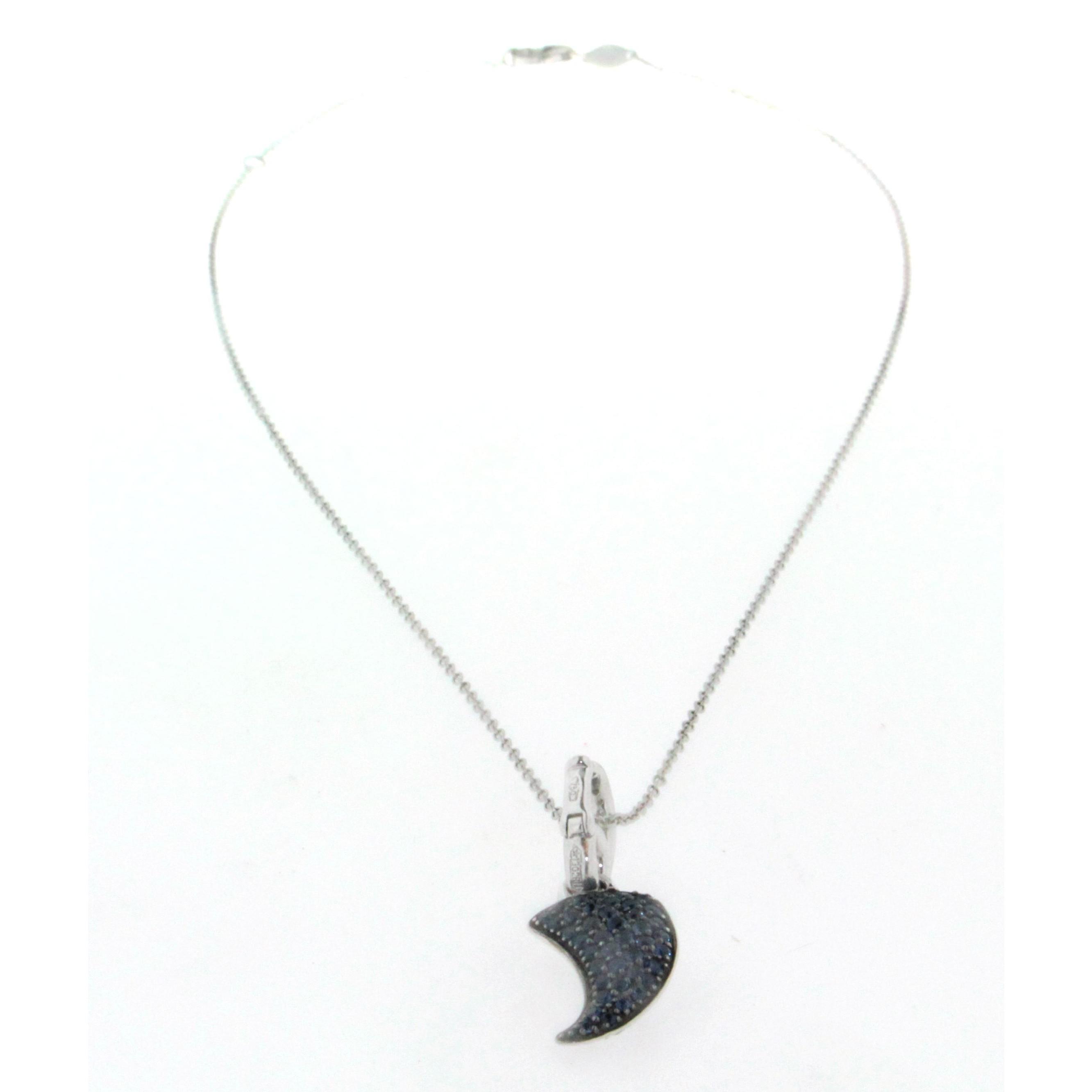 collier cha ne en or blanc 18k avec pendentif corne porte bonheur pav de diamants d un c t et. Black Bedroom Furniture Sets. Home Design Ideas